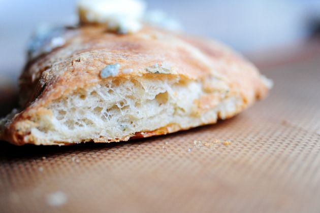 Rosemary-Onion Bread with Blue Cheese Topping | Recipe