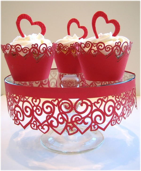 how to make a cake stand out of old plates