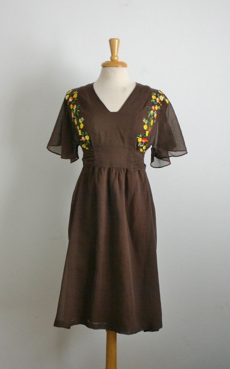 Vintage 1960s chocolate brown flower embroidered cotton ...