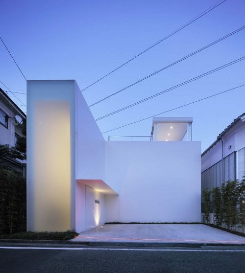 Cube Court House / Shinichi Ogawa and Associates. #architecture #design #house #home #white #minimalism