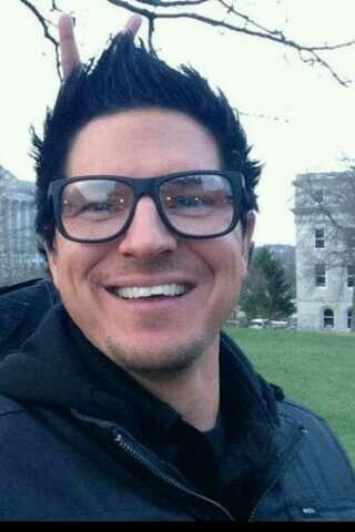 Zak Bagans Smiling Love his smile  -  zak bagans  via grace medeirosZak Bagans Smiling