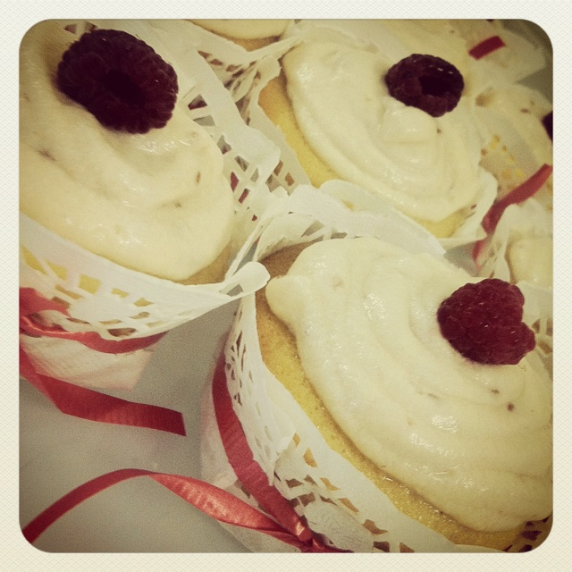 Pin by Amy Hill on Recipes: Desserts: Cupcakes | Pinterest