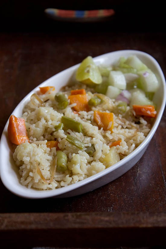 vegetable pulao recipe: easy, simple and aromatic veggie-rice dish.