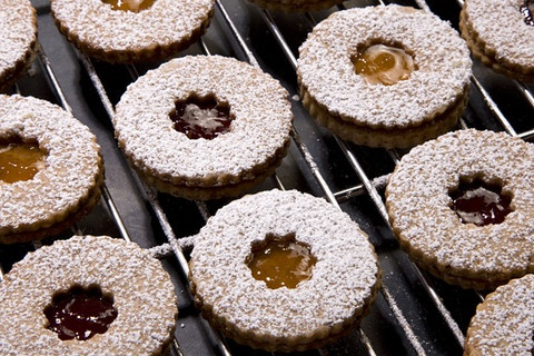 Linzer Sablés | Yummy Desserts | Pinterest
