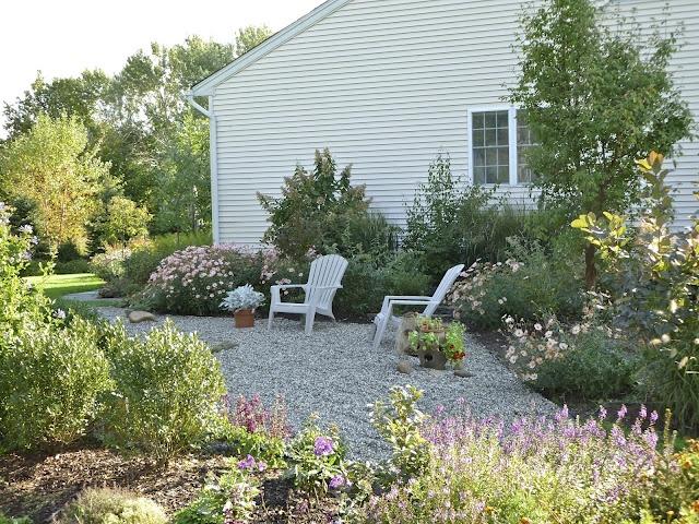 Pea gravel garden backyard pinterest for Gravel garden designs