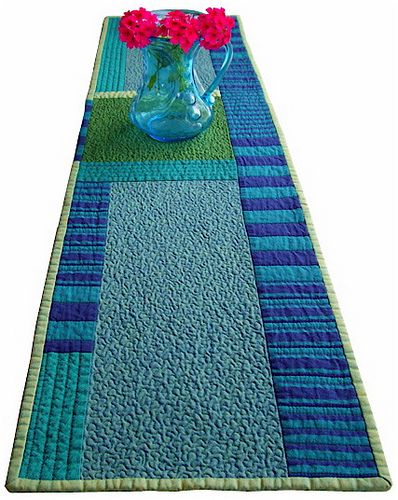 Modern table runner tablerunners placemats hotpads and for Modern table runner
