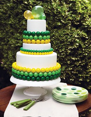 green and yellow bubble wedding cake // for a #Baylor couple!