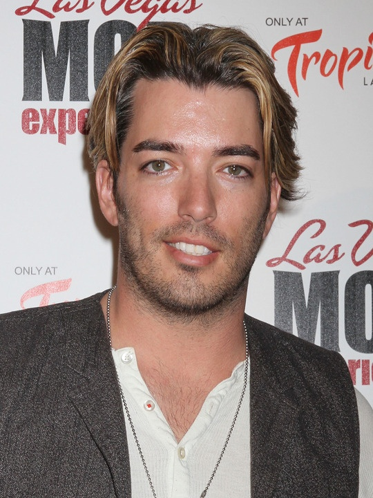 Jonathan scott i think i 39 m in love the scott for Is jonathan from property brothers gay