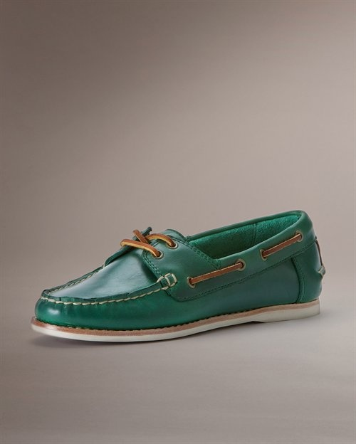 frye quincy boat shoes in green - want want want