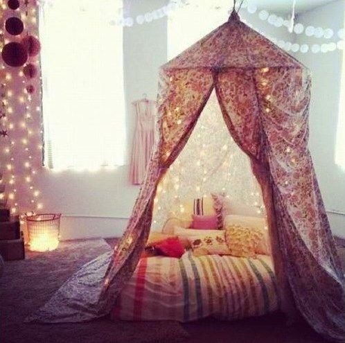Tente romantique int rieurs de charme et d coration cosy for Decoration charme cosy