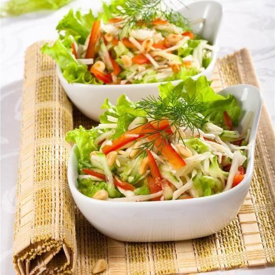 Салат из капусты огурцов и болгарского перца