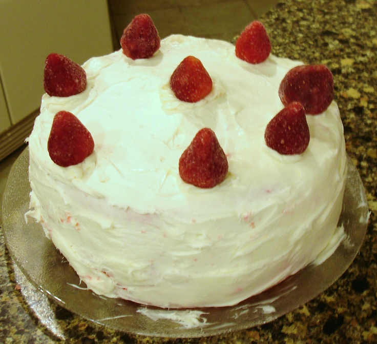 Strawberry Whipped Cream Cake. | Try and DIY. | Pinterest