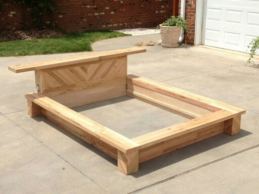 Recycled pallet platform bed projects i love pinterest for Platform bed made from pallets