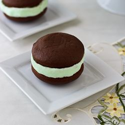Chocolate chocolate chip whoopie pies filled with mint cream cheese ...
