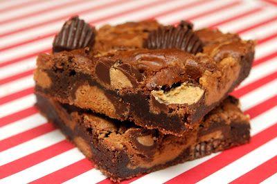 Hugs & CookiesXOXO: REESE'S DARK MINI PEANUT BUTTER CUP SWIRL BROWNIES