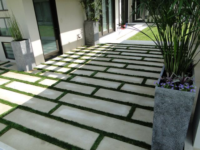 Patio Designs Pavers Grass : Grass and pavers outdoor spaces