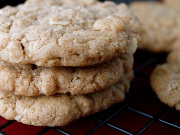 Almond butter cookies - I subbed cooked quinoa for the oatmeal and it ...