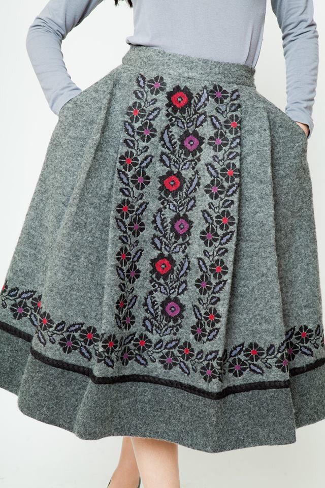 Вышивка на юбке