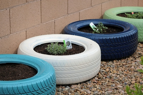 Spray painted tires garden tire gardens pinterest - Painted tires for gardens ...