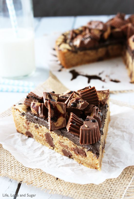 Reese's Peanut Butter Chocolate Chip Cookie Cake #peanutbutter