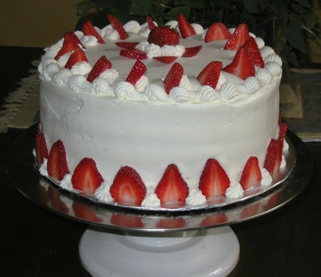 White Chocolate Strawberry Mousse cake | Mousse cake | Pinterest