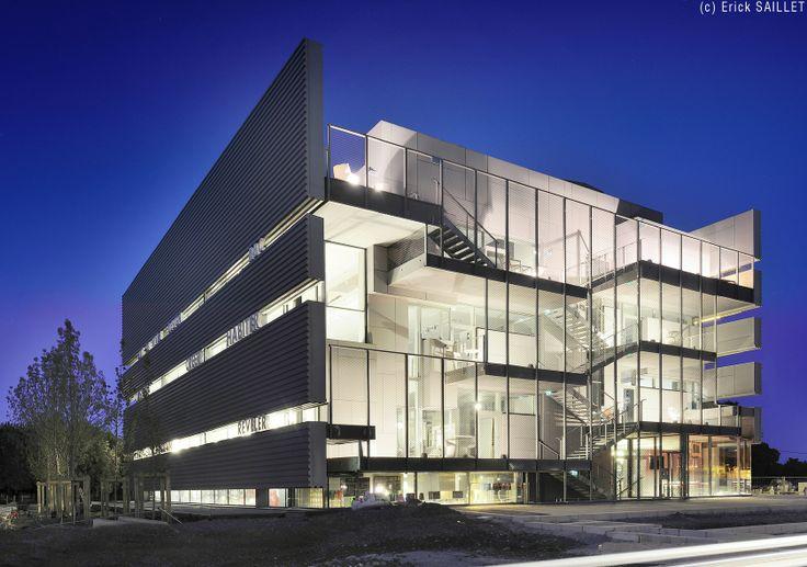 Rbc design center jean nouvel modern architecture for Architecture jean nouvel
