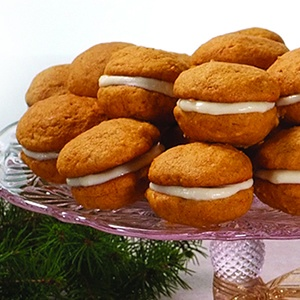 Mini Pumpkin Whoopie Pies Recipe — Dishmaps