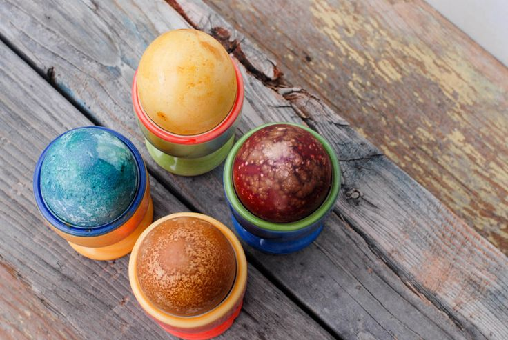 Naturally Dyed Easter Eggs and the BEST Easter Bunny Book ever ...