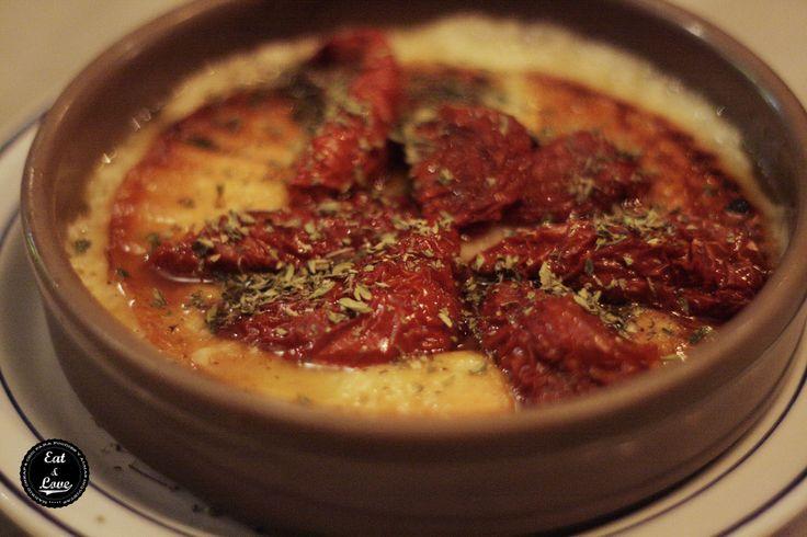 Provolone con tomate seco - Restaurante argentino Camoatí, La Latina, Madrid
