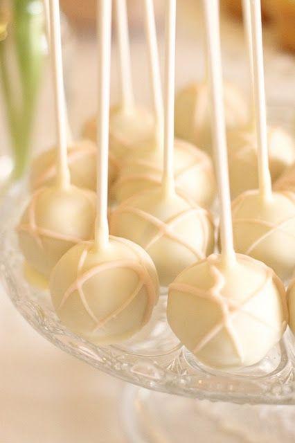 Vanilla cake pops. | Vanilla. | Pinterest