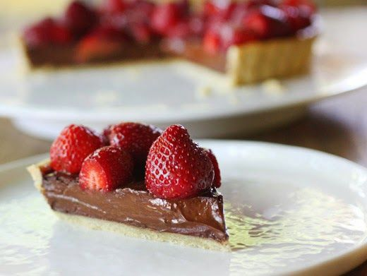 lisa is cooking: Bittersweet Chocolate and Strawberry Tart