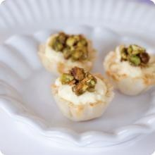 Honey-Pistachio Mini Cheesecakes   Learning to cook!   Pinterest
