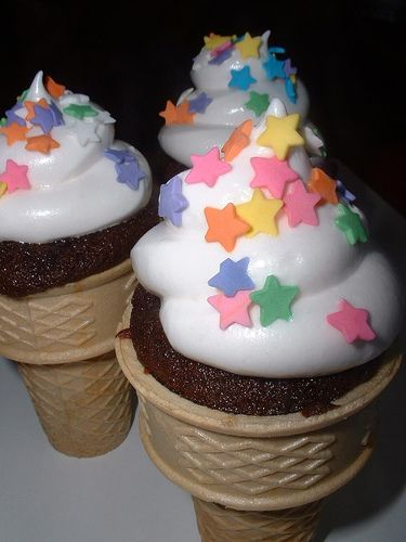 Ice cream cone cupcakes! | Cakes & Cupcakes | Pinterest