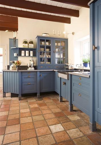 Blauwe Landelijke Keuken : eco keukens specialist in houten keukens en lande keuken1