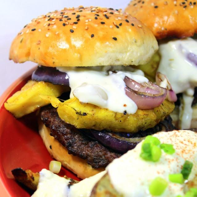 ... Time - Gorgonzola Blue Cheese Hamburger Sauce for my Hawaiian Burger