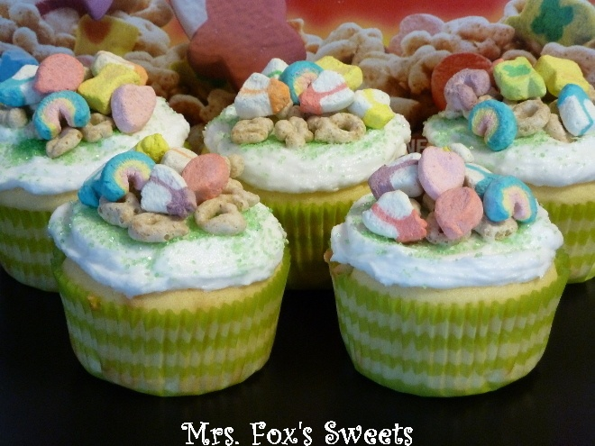 Lucky Charms Cupcakes | Sweet Tooth (Baking, Treats, and Desserts ...