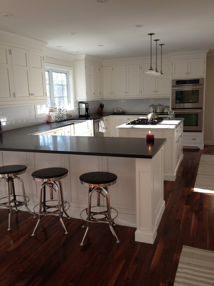 cloud white cabinets benjamin moore kitchen pinterest. Black Bedroom Furniture Sets. Home Design Ideas