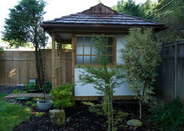 Japanese tea house shed daydreaming garden for Japanese garden shed
