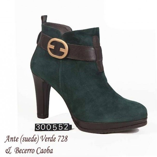Shoes for Women with Large Feet | tall women large boots-300552