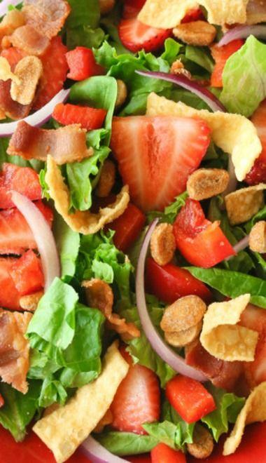 Strawberry Wonton Spinach Salad | Recipe