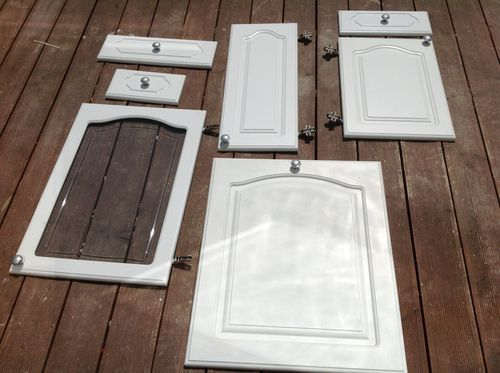 Kitchen cabinets doors and fronts - White Howdens Cathedral Style Kitchen Cabinet Doors Drawer Fronts