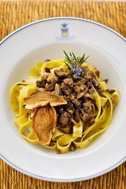 Fettuccine ai funghi porcini - Fettuccine with porcini mushrooms