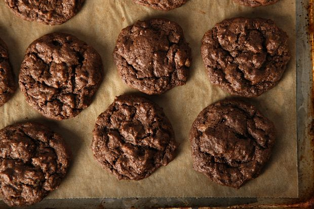 Fudgy Toffee Pecan Cookies - buttery toffee and toasted pecans join up ...