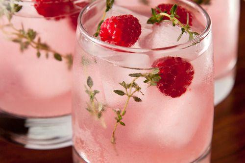 peach melba cooler with raspberries | Food: Drinks + Event Entertaini ...