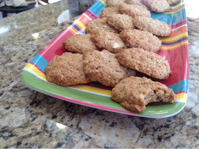 Apple Cinnamon Oatmeal Cookies! | Recipes to Try - Cookies & Squares ...