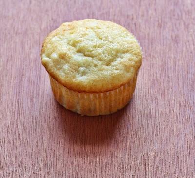 Pineapple Muffins /by Versatile Vegetarian Kitchen #vegan #recipe