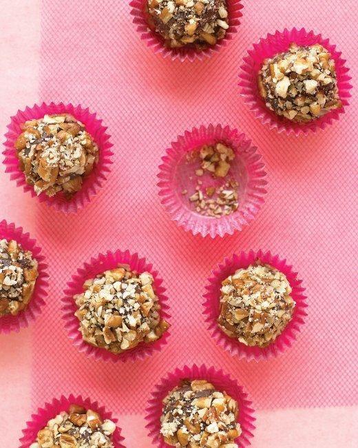 Valentine's Day Chocolate Candies // Bourbon-Pecan Truffles Recipe