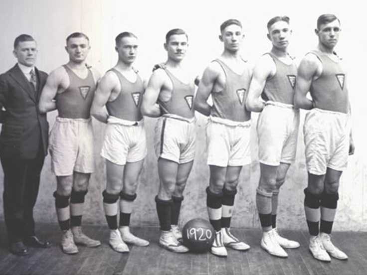 Canada's YMCA: Celebrating our history and looking to the future - YMCA Canada - Historical photo of basketball team