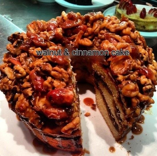 Walnut & cinnamon cake | Yummy, Yummy, Yummy... | Pinterest