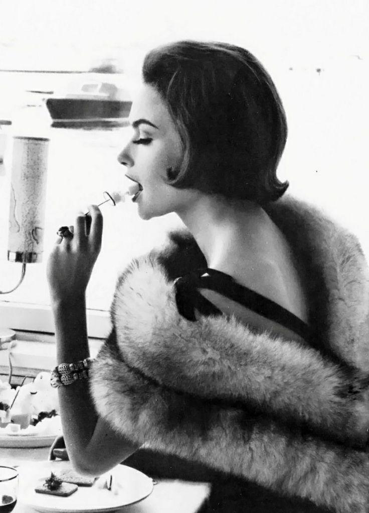 Judy Dent, 1962. Photo by Eugene Vernier (via hollyhocksandtulips)